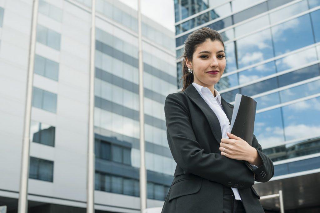 As mulheres estão se empoderando e buscando ocupar cada vez mais espaço no mercado de trabalho
